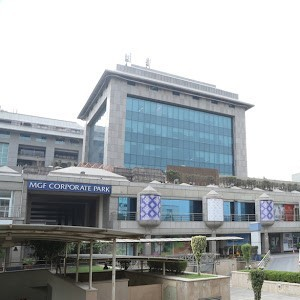 800 sqft Shop in MGF mall Available for sale